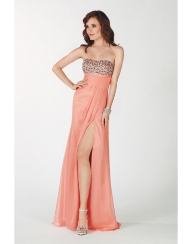 robe pastel sans bretelle à encolure bateau
