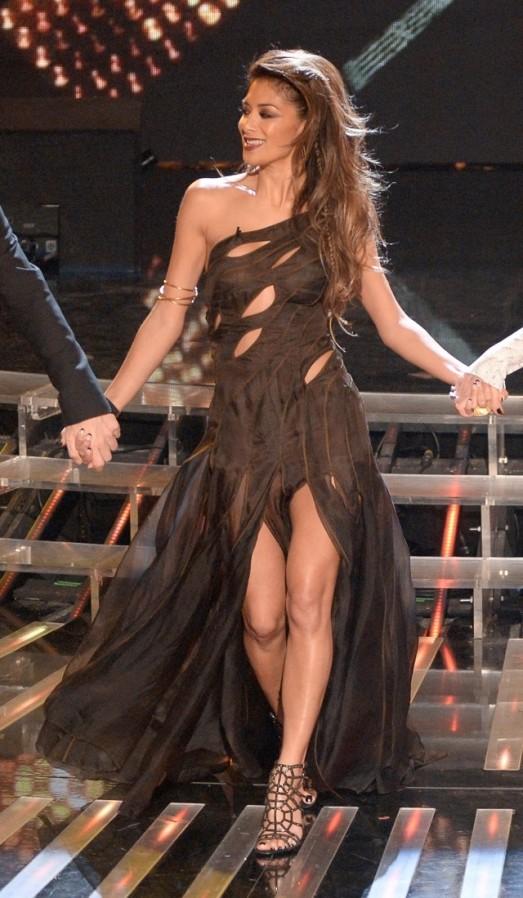 Nicole Scherzinger dans robe de soirée sexy