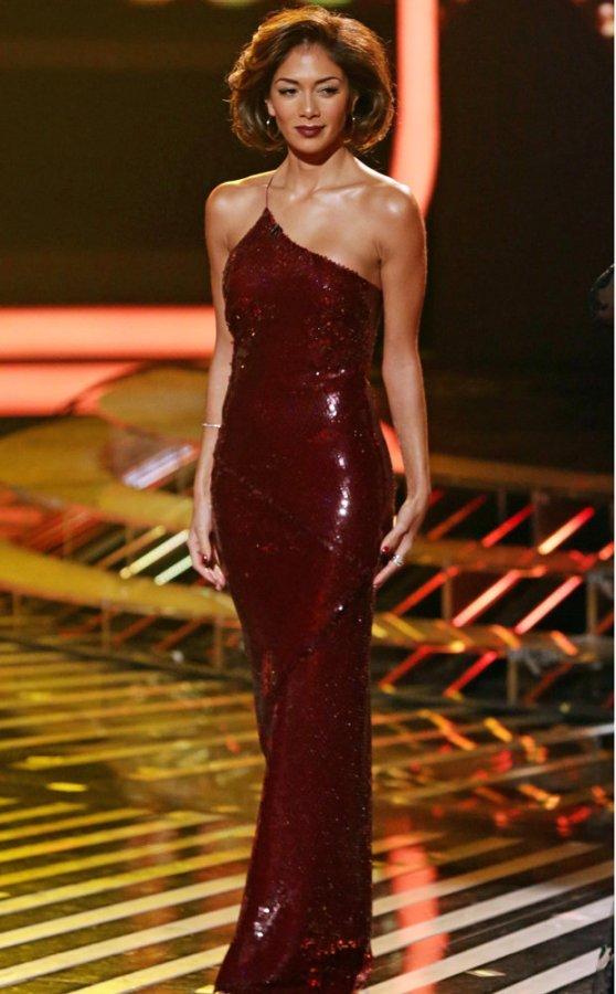 Nicole Scherzinger en robe de soirée 2013