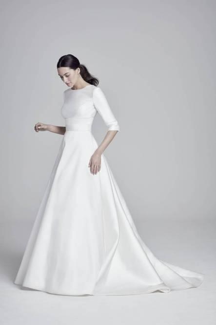 robe de mariée simple à manche