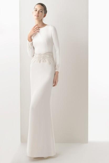 simple robe de mariée fourreau à manche longue avec broderies