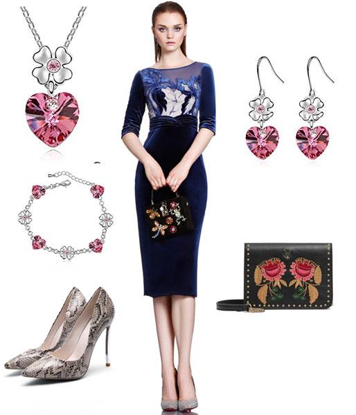 accessoires pour une robe bleu marine soirée avec manche