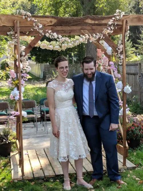 robe de mariée courte encolure illusion en dentelle pas cher