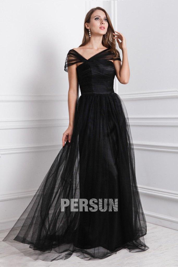 Robe noire soirée longue encolure asymétrique en tulle